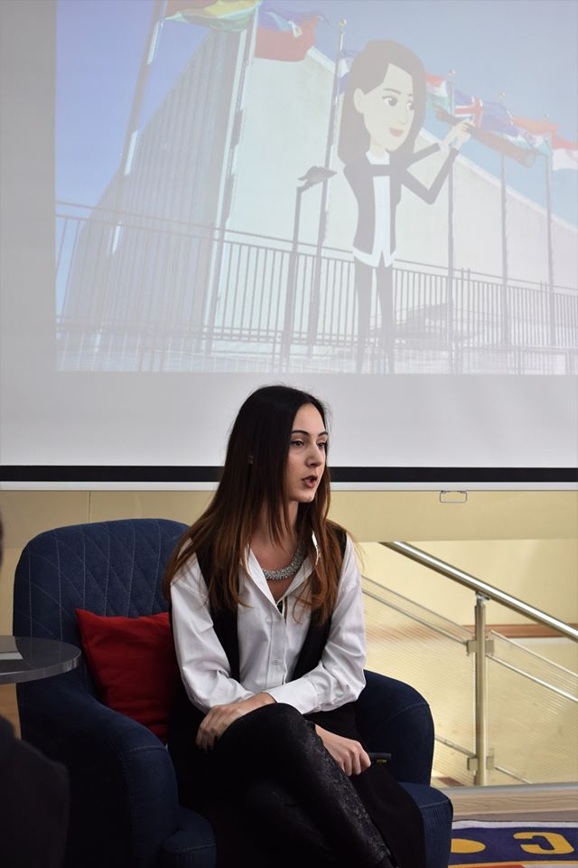 Alumna Shares Advice on Successful Career with Students (6)