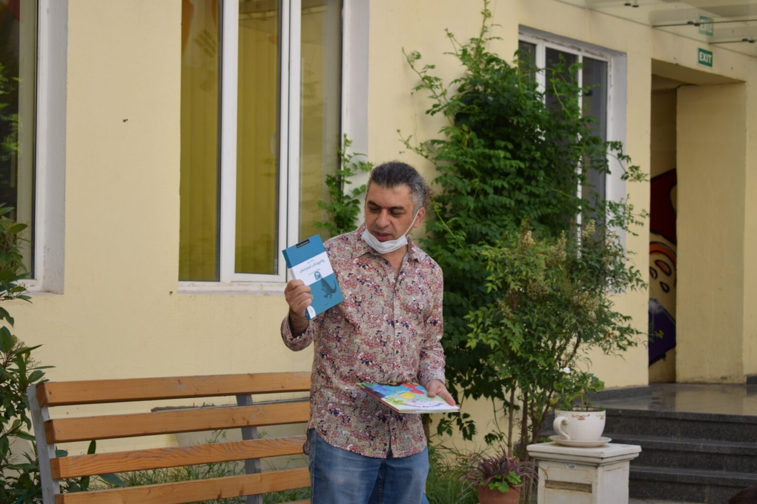 Writer Vaso Guleuri (4)